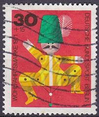 Deutsche Briefmarken (micky the pixel) Tags: briefmarke stamp ephemera deutschland bundespost berlin wohlfahrtsmarke spielzeug toy holzspielzeug vintage hampelmann jumpingjack