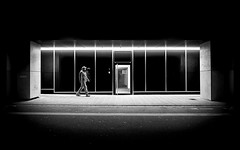 Light Box (Sven Hein) Tags: mann menschen leute strasse nacht schwarzweiss strassenfotografie lightbox man people street streetlife night winter bw blackandwhite candid streetphotography olympus penf