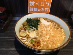Soba topped with deep-fried flour from Monju @ Asakusa (Fuyuhiko) Tags: soba topped with deepfried flour from monju asakusa 浅草 たぬき 文殊 そば ソバ 蕎麦 東京 tokyo