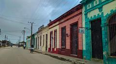 Escena de una calle en Sagua (lezumbalaberenjena) Tags: sagua villas villa clara cuba 2019 lezumbalaberenjena