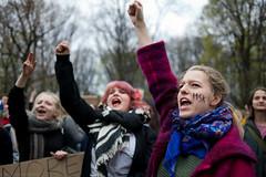(Aleksander Kalka Photographiti) Tags: varsavia warszawa warsaw warschau demonstration manifestazione demonstracja climate change zmiana klimatyczna cambiamento climatico nikon d3s nikkor
