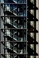 Paris_0317-101-2 (Mich.Ka) Tags: paris ladefense îledefrance ville town escalier stairs géometrique geometric graphic graphique ligne line ombre shadow urbain urban façade mur wall bâtiment building bâtimentindustriel extérieur abstrait abstract