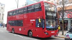 P1140933 VMH2531 LF68 PXH at Bond Street Station Oxford Street London (LJ61 GXN (was LK60 HPJ)) Tags: metroline volvob5lhybrid mcvevoseti mcv evoseti 105m 10490mm vmh2531 lf68pxh nb909