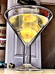 2019 071/365 3/12/2019 TUESDAY - Tuesday Martini Madness (_BuBBy_) Tags: 3122019 cheers olives 3 thegin gin drunk drank drink libation madness martini tuesday days 365days 71365 365 71