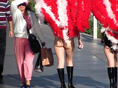 IMG_4389 (grooverman) Tags: las vegas vacation trip december 2018 strip showgirls thong butt booty legs nice canon powershot sx530