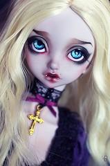 Lucrecia (Chantepierre) Tags: bjd balljointeddoll balljointed doll peakswoods dotty muse vampire violet skin fc fullcusto full custo custom chantepierre ladicius legit legitdoll