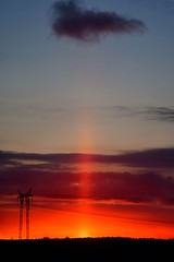 """""""I saw the light..."""" (nikkorglass) Tags: lightpillar vertikalpelare röd rött red d500 105mmf28vr home hemma vår cold kallt light ljus fenomen phenomena nikon nikkor sunset solnedgång"""