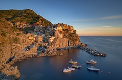 *Golden Hour in Manarola @ Long exposure* (Albert Wirtz @ Landscape and Nature Photography) Tags: albertwirtz manarola cinqueterre italy italia italien ligurien landscape cityscape skyline goldenestunde goldenhour reflection spiegelung nikon d810 longexposure langzeitbelichtung boat boot haus dorf village unesco unescoworldheritage weltkulturerbe unescoweltkulturerbe sunset sonnenuntergang haidafilter haidabigstopper bigstopper grauverlauffilter haidagnd09softverlauffilter mittelmeer riviera küste coast water mountain bay albertwirtzphotography albertwirtzlandscapeandnaturephotography