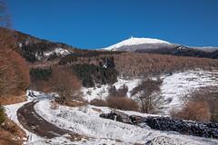 L'hiver est bien là! (mrieffly) Tags: alsace htrhin lemassifdugrdballon geishouse canoneos50d routedemontagne neige cieldhiver