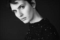 L1046339 (Daniele Pisani) Tags: anna shooting croche monochrom leicam summicron 50mm beauty capelli corti maglia paillets