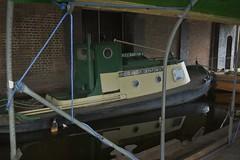 National Waterways Museum Ellesmere Port 130219_DSC2822 (Leslie Platt) Tags: exposureadjusted straightened cheshirewestchester tug ellesmereport nationalwaterwaysmuseum inlandwaterways mscbantam