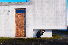 nella serenità di una terrazza. (luigi_cinque) Tags: color contrast city landscape urban urbanscape fuji fujifilm girl geometry minimal door architecture puglia apulia