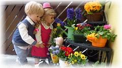 Frühlingsfreude / Pleasure of Spring (ursula.valtiner) Tags: puppe doll luis bärbel künstlerpuppe masterpiecedoll frühling spring blumen flowers blüten blossoms