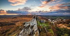 Lumières sur les Monts d'arrée (SB29400) Tags: lumières montsdarrée lemontsaintmichel finistère sunset coucherdesoleil paysage nature rocher rocherdufinistère finistre bretagne landes bleu nuages