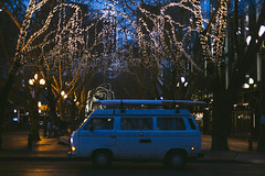 Pioneer Square 1.13.19 - 02 ([50storms]) Tags: canon6d canon50mmf14 seattle streetphotography seattleeveryday pnw pacificnorthwest washington pioneersquare night nightphotography lights vw volkswagen
