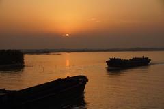 Sunset on the Yangtze River (Sergei P. Zubkov) Tags: 揚子江 長江