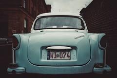 TRABANT... (hobbit68) Tags: fujifilm xt2 frankfurt fechenheim car cars 🚙 gebäude gemäuer klassiker klassikstadt
