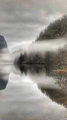 Formet -|- Shaped land (erlingsi) Tags: erlingsi iphone erlingsivertsen dregebø yksland sunnfjord lake mist vann water