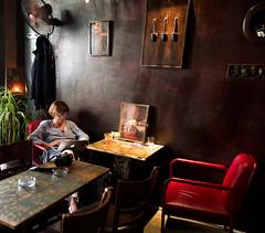 Vietnam - Dans un bar d'Hanoï. (Gilles Daligand) Tags: vietnam hanoï bar intérieur