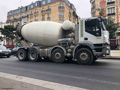camion-travaux+Floutage-Pub®© (alexandrarougeron) Tags: photo alexandra rougeron