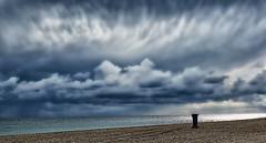 ¡¡Un día algo nuboso!! (Manuel Peña Jiménez) Tags: playa mar nubes cielo costa aguadulce almería fujifilmxs1