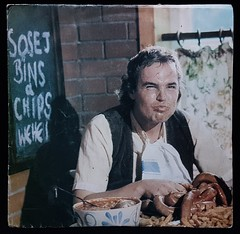 Rocyn - Sosej, Bins a Chips (Jacob Whittaker) Tags: vinyl record single cover sleeve art 7inch welsh wales cymru cymraeg aberteifi ceredigion