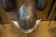 Helmet with elaborate decorations (quinet) Tags: 2017 antik antiquitäten england helm london rüstung wallacecollection ancien antique casque helmet militaire military militärische museum musée