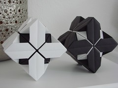 TriCubes - Black and White (pia miller) Tags: origami paperart sonobe cube
