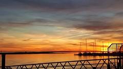 Un magnifique couchant ... (jmollien) Tags: coucherdesoleil sunset portugal algarve sky ciel beautiful sea ocean atlantique port harbor soleil sun perspective lines reflets reflecting