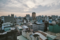 (YELLOW Mao. 黃毛, Photographer) Tags: 台灣 台中 taiwan taichung streetphotography snapshot architecture 千越大樓
