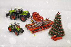 I wish happy holidays to everyone! (martin_king.photo) Tags: powerfull martin king photo machines strong agricultural great czechrepublic agriculturalmachinery farm working modernagriculture landwirtschaft martinkingphoto moisson machine machinery field huge big sky agriculture power dynastyphotography lukaskralphotocz day fans work place yellow gold golden eos country lens rural camera outdoors outdoor snow winter tree christmas merrychristmas claas väderstad red today