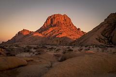 Sun is coming up (iamfisheye) Tags: 2018 olympus f28 mki 1260mm namibia spitzkoppe exodus 4wddesertsafari july kit namibiantrackstrails em1 camera