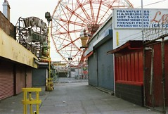 Wonder Wheel Coney Island 1986 (Meredith Jacobson Marciano) Tags: ferriswheel coneyisland brooklyn 1980s amusement
