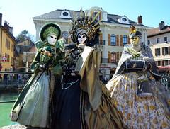 Quai de Vicenza (RarOiseau) Tags: annecy hautesavoie carnaval masque fête événement ville rue city street