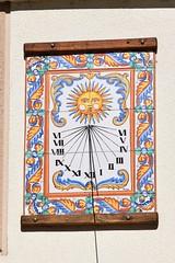 Reloj de sol en Enciso (La Rioja, España, 10-3-2019) (Juanje Orío) Tags: 2019 enciso larioja provinciadelarioja españa espagne espanha espanya spain europa europeanunion europe unióneuropea reloj relojdesol sundial cerámica