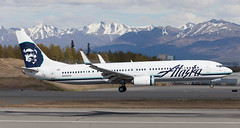 B737   N423AS   ANC   20150510 (Wally.H) Tags: boeing 737 boeing737 b737 n423as alaskaairlines anc panc anchorage airport