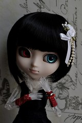 Portrait Series~ 4 (MlleChantilly) Tags: pullip doll dolls dollphotography dollsphotography custo groove junplanning sfoglia vairon redeyes blackhair ghost obitsuclear clearobitsu