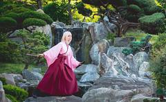 Okita Souji Saber Sakura (Fate/Grand Order) (Calssara) Tags: anime manga game cosply fate fategrandorder saber sabersakura okitasouji yukata hakama sword shorthair paleblondehair blondebob japaneseclothing japanesegarden cosplayer cosplaygirl calssara