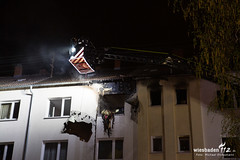 Wohnungsbrand Dotzheim 13.04.19 (Wiesbaden112.de) Tags: atemschutz betreuung brand dotzheim drehleiter elrd feuer feuerwehr lna olrd qualm rtw seg wiesbaden wohnungsbrand