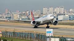Turkish Airlines B777-300ER TC-JJS (altinomh) Tags: turkish airlines b777300er tcjjs boeing b777 tk