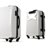 luggage made of PCの写真