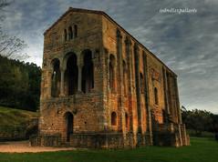 Santa María del Naranco (ivandiazpallares) Tags: santamaríadelnaranco prerrománico arquitectura edadmedia altaedadmedia oviedo asturias