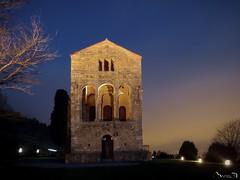 Santa María del Naranco II (Jaime Martin Fotografia) Tags: asturias oviedo arquitectura prerromanico nocturna
