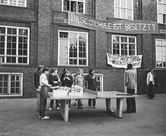 Schulbesetzung_Reher_23 (Klosterschule) Tags: klosterschule hamburg schulbesetzung besetzung schwarzweis blackandwhite history geschichte schulgeschichte historisch school schule 1981 80er 80s