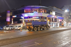 _MG_8960 (Yorkshire Pics) Tags: 2401 24012019 24thjanuary 24thjanuary2019 leeds leedsatnight leedscity leedscityatnight leedscitycentre leedscitycentreatnight tipper tippertruck tipperlorry truck trucking yd60aro meccabingoleeds leedsmeccabingo meccabingo