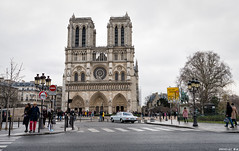 III06060 (HwaCheng Wang 王華政) Tags: 法國 巴黎 聖母 主教座堂 cathédrale notredame de paris 西堤島 天主教 教堂 主教 哥德式 建築 法蘭西島 地區 a7r3 ilce7rm3 a7r mark3 1635 2470 70200 gm 城市 建築物 sony
