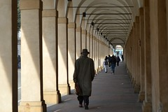 Bologna, il Portico dei Mendicanti (XVII secolo) (Valerio_D) Tags: bologna emilia emiliaromagna italia italy 20182019inverno porticodeimendicanti porticodelricovero 1001nights 1001nightsmagiccity