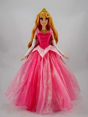 2018 Disney Parks Aurora Limited Edition Doll - Disneyland Purchase - Deboxed (drj1828) Tags: disneyland purchase princess aurora sleepingbeauty pink disneyparks diamondcastlecollection 17inch doll collectible limitededition deboxed