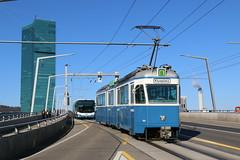 2019-03-20, Zürich, Hardbrücke (Fototak) Tags: tram strassenbahn autobus bus neoplan mirage vbz zürich switzerland ligne8 ligne83 1674 521