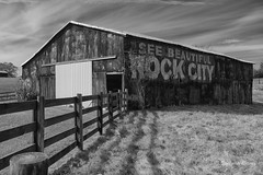 Rock City Barns (Cody Wms) Tags: rockcity rockcitybarns tennessee outwest2016